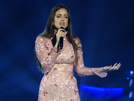 "Rosalia, performing ""Cuando Nadie Me Ve"" at the Latin"