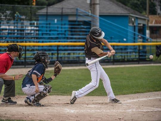 Alex Ledbetter of the Grand Rapids Elite Hitmen gets
