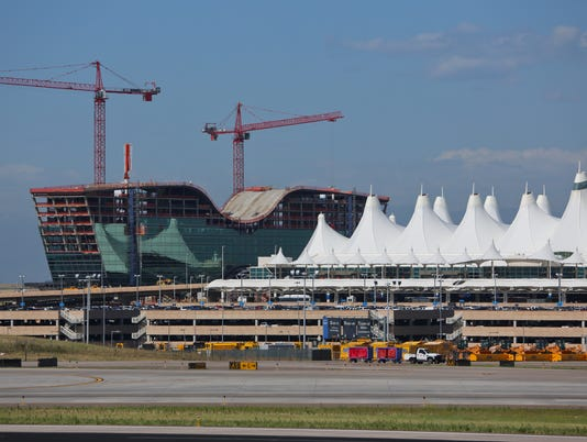635603842467416430-Denver-International-Airport-Westin-Hotel-scheduled-to-open-at-DIA-in-November-2015