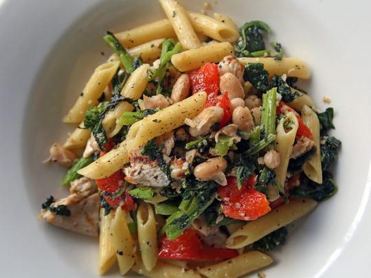 Pasta Portofino, penne with chicken, broccoli rate,