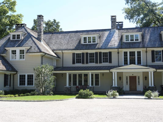 01 Armonk colonial real estate