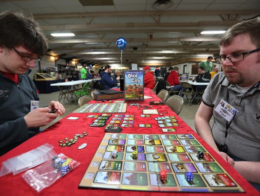 635922800323820013-2-26-16-MAN-N-Fire-and-Ice-Game-Convention-0007.jpg