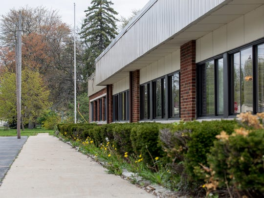 The former Algonac Elementary School sits vacant Wednesday, May 11, 2016 at 1300 St. Clair Blvd. in Algonac.