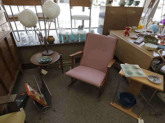 AtomicKatz in Oshkosh is a resale store following the