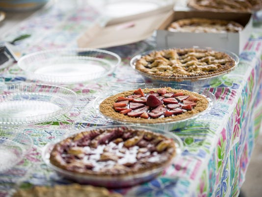 636032530026052663-MNI-0704-4thofJuly96.jpg Pies entered in contest at Yorktown 4th festvial
