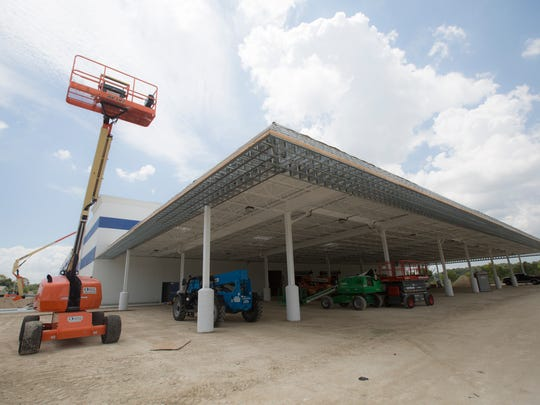 Construction continues on the Restaurant Depot in south Fort Myers.