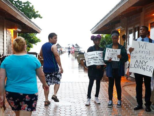 BLACK LIVES MATTER PROTEST 01 Lede