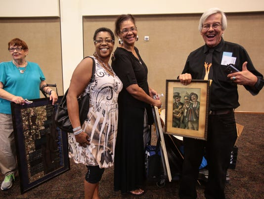 636061144384342744-Antiques-Roadshow-Palm-Springs015.JPG
