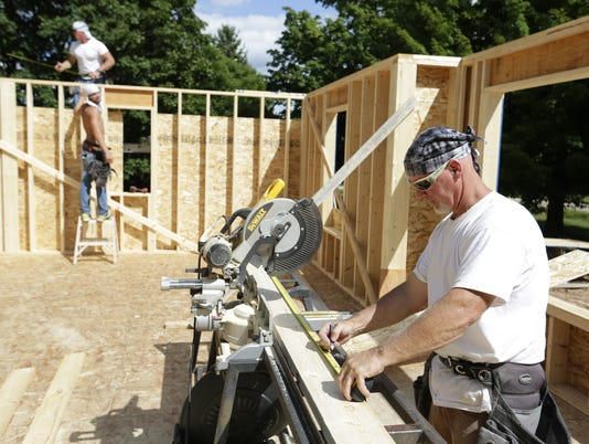 636092104244318019-OSH-New-Housing-Starts-083116-JS-001.jpg