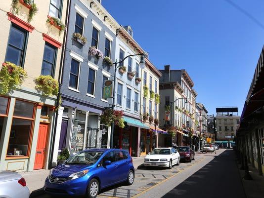 September 12, 2016: Cincinnati Bell Connector, Streetcar, downtown, Cincinnati, Liz Dufour