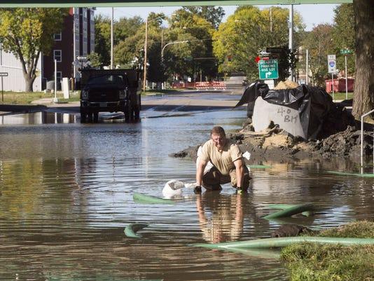 636105772816931494-160927-flood18-RM.jpg