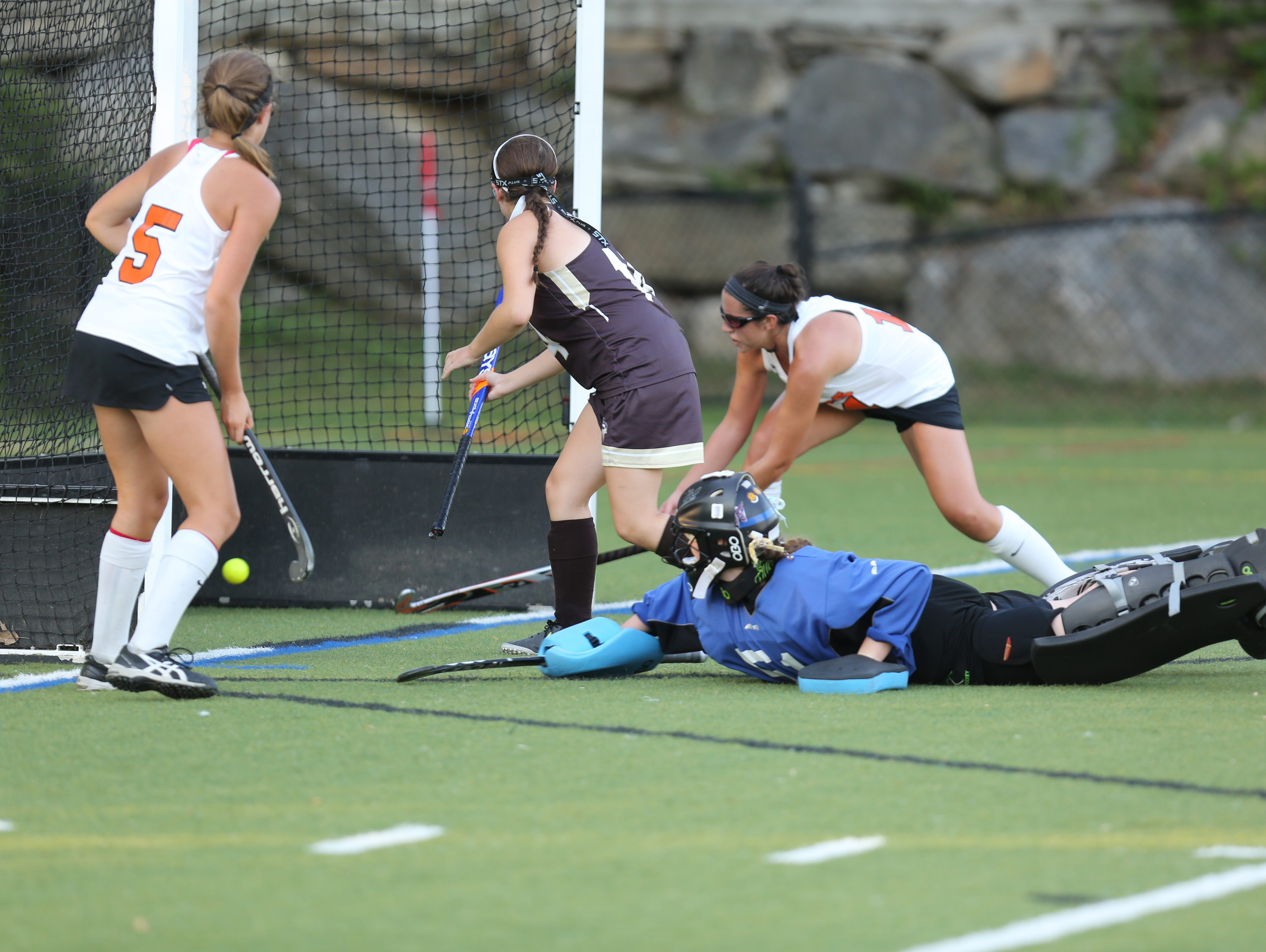 Mamaroneck's Paige Danehy (17) scores during girls field hockey game at Mamaroneck High School on Sept. 27, 2016.