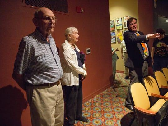 Mayor pro tem Greg Smith talks to Paul and Virginia
