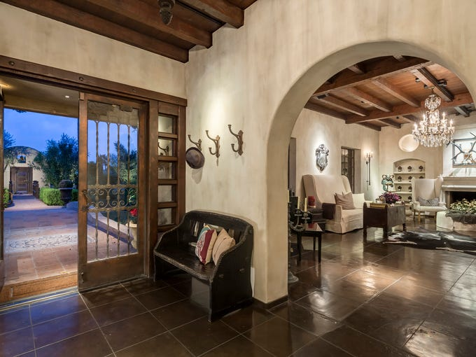Former child star Frankie Muniz has sold his Phoenix