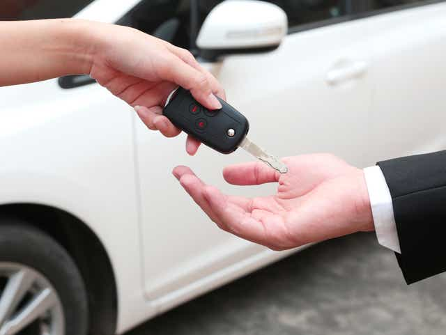 How To Avoid Danger And Scams When Selling Your Car Online