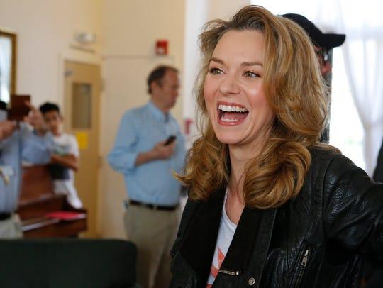 Actress Hilarie Burton her husband fellow actor Jeffrey