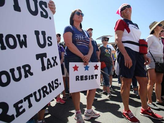 636278706399652908-Trum-Tax-Protest002.JPG