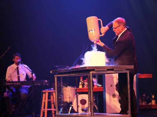 Alton Brown performs at 'Eat Your Science.'