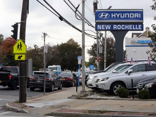 The Hyundai and Mazda dealerships on Route 1 in New