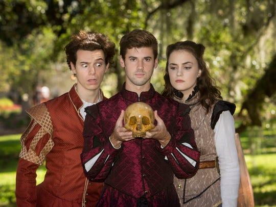 Franci Holland (Guildenstern), Shane Howell (Hamlet),