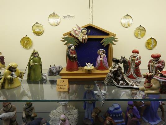 636459154603778213-OSH-Nativity-Collection-120716-JS-013.jpg