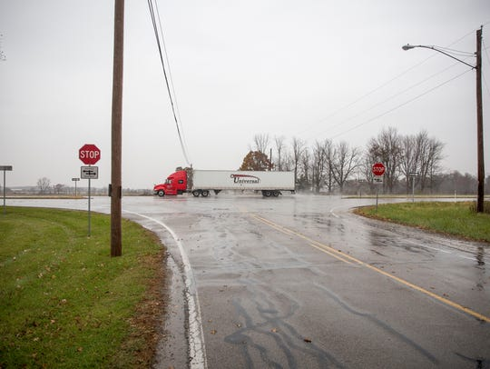 The intersection at Delaware County Road 600-W and