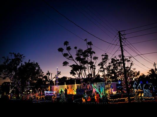 LEDE NDN 1123 CHRISTMAS HOUSE