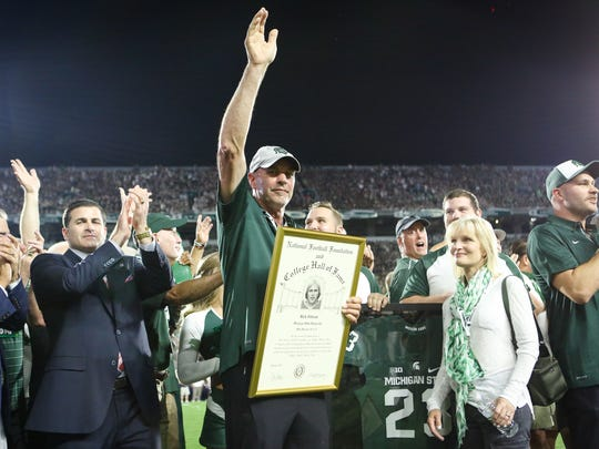 Former MSU Spartan Kirk Gibson is honored during the