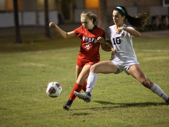 Mariner's Taylor Yount battles North Fort Myers' Anna