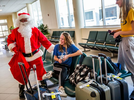 LEDE NDN 1223 HOLIDAY TRAVEL