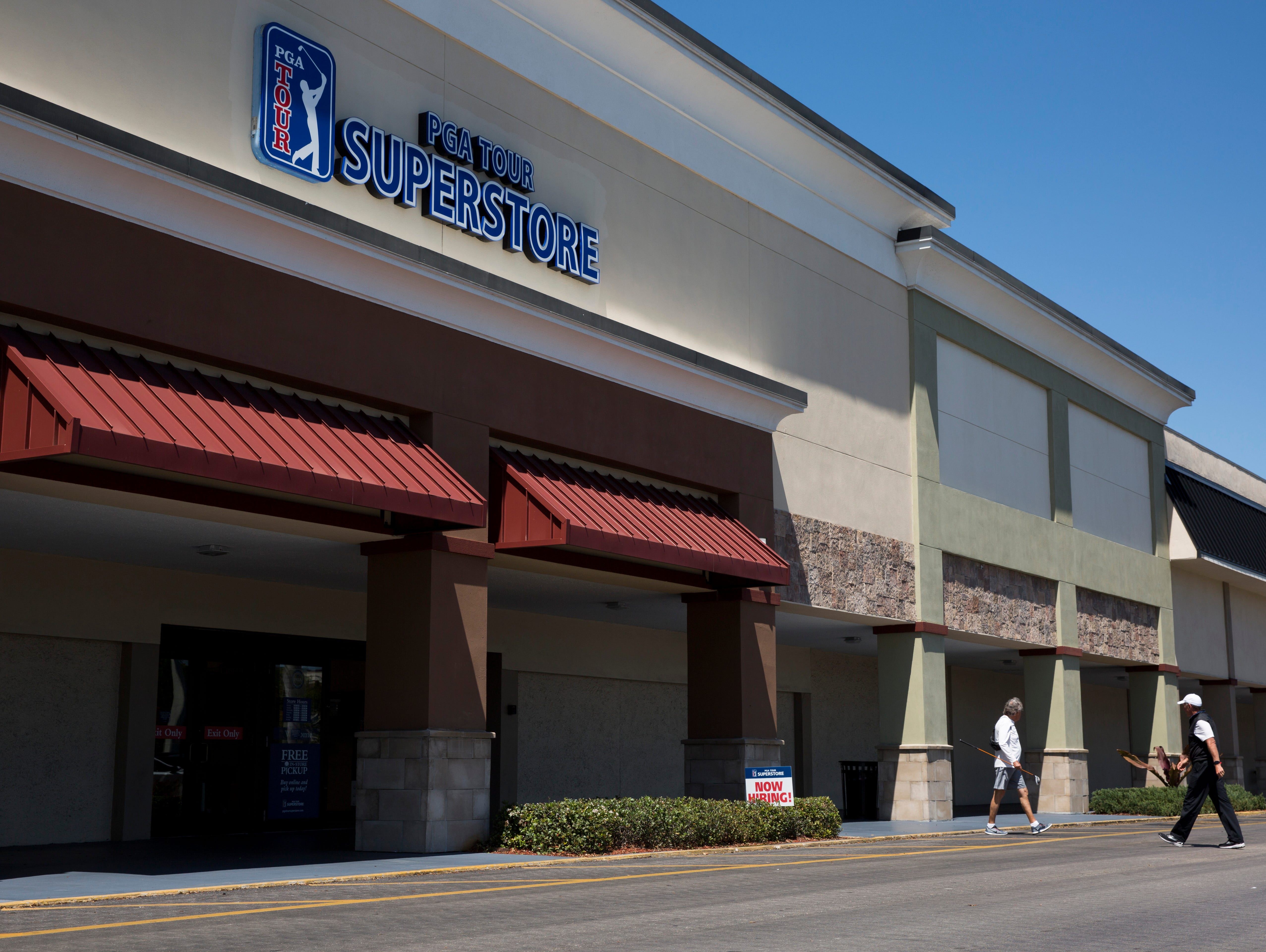 naples site busy as pga tour superstore chain outlasts