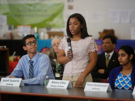 Alaina Otto of Sleepy Hollow High School, one of the winners of the 2018 Westchester Science and Engineering Fair, presents her research at a roundtable discussion hosted by Congresswoman Nita Lowey and New York State Lt. Governor Kathy Hochul at Yorktown High School on March 26, 2018.  The roundtable was focused on encouraging women and girls to enter STEM fields.