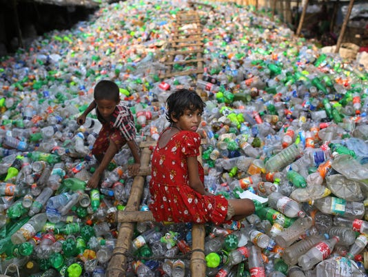 AP APTOPIX BANGLADESH CHILD LABOR I BGD
