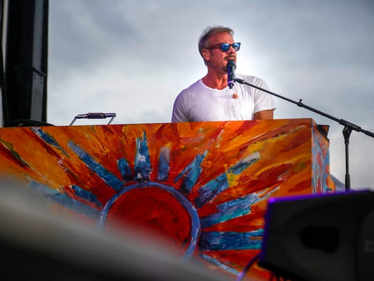 Phil Vassar performs at the Big Country Bash in St.