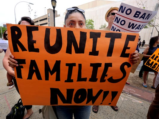 rally for immigrant children