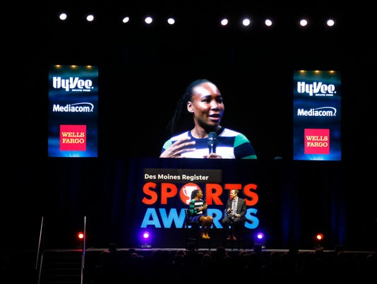 0623 Sports Awards 03.jpg