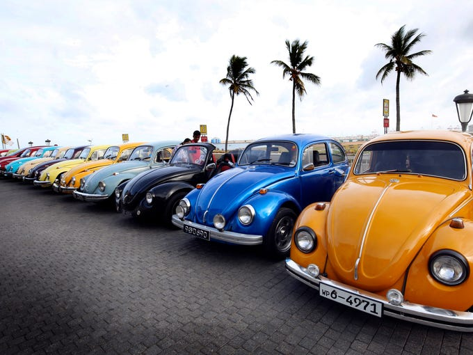 Historic Volkswagen Beetles Turn Out In Droves For Sri Lanka Car Show - Volkswagen car show