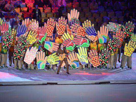 2016-8-21-closing-ceremony-hands