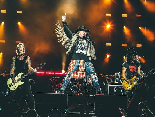 636362358240912897-guns-n-roses-press-photo-.jpg