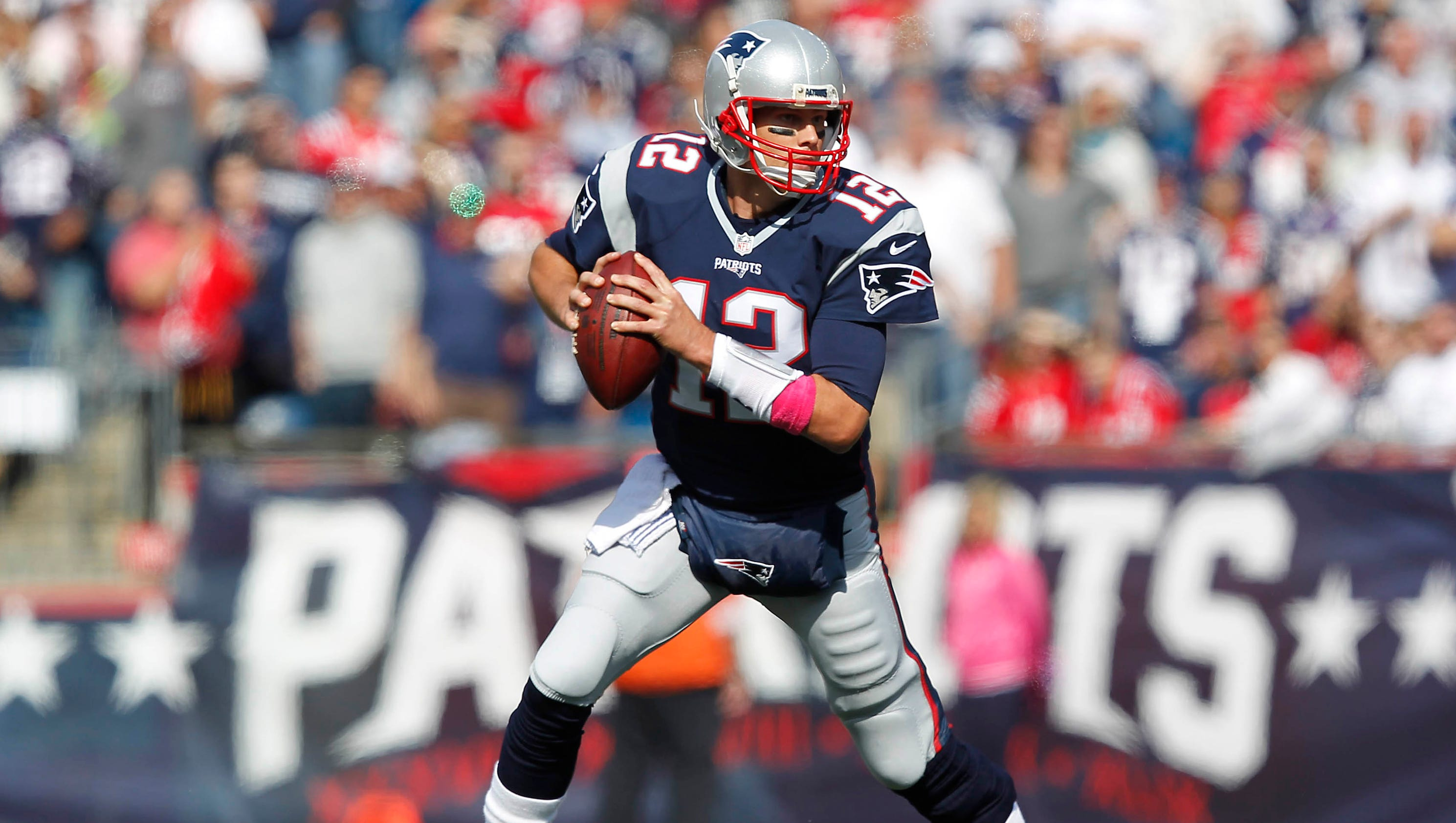 Tom Brady, Rob Gronkowski help Patriots mow down Bengals