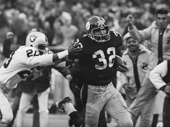 In this Dec. 23, 1972, file photo, Franco Harris (32)