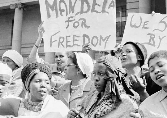 mandela women protest 1962