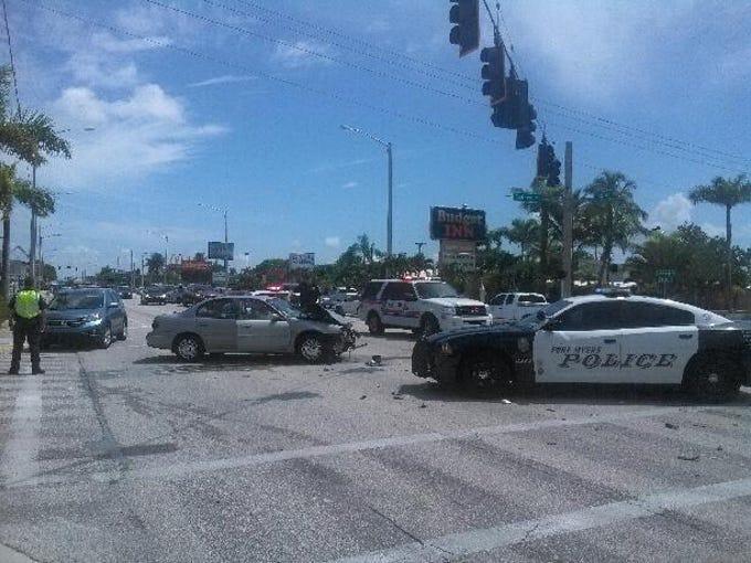 Car crash closes part of U.S. 41 southbound