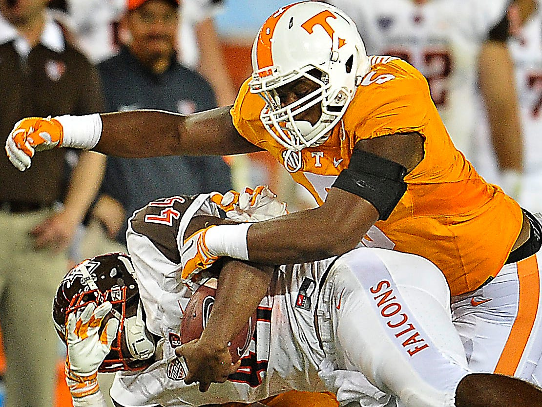 Tennessee defensive lineman Kyle Phillips (5) played at Hillsboro.