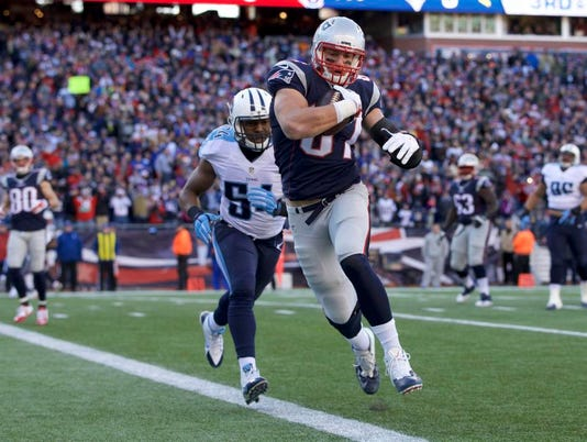 NFL: Tennessee Titans at New England Patriots