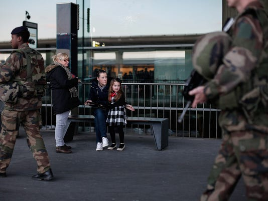 French soldiers patrolling Islamic militants
