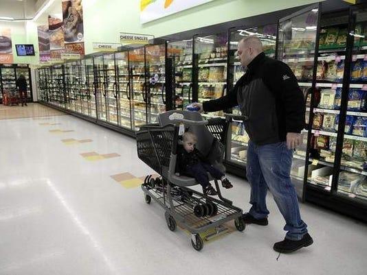635542551749046170-SHEBrd-03-02-2014-Citizen-1-Z006-2014-02-27-IMG-grocery-cart.jpg-1-1-FO6IVRAA-L371737570-IMG-grocery-cart.jpg-1-1-FO6IVRAA