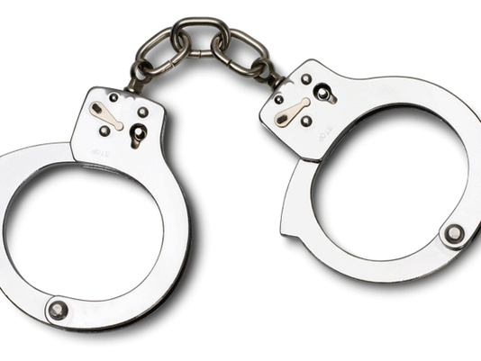 635785203467834763-handcuffs