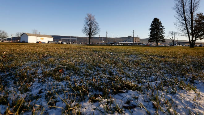 The Elmira Corning Regional Airport is working to purchase a plot of land east of the airport to build a parking lot. Construction will begin in the summer and is projected to be completed by Thanksgiving.