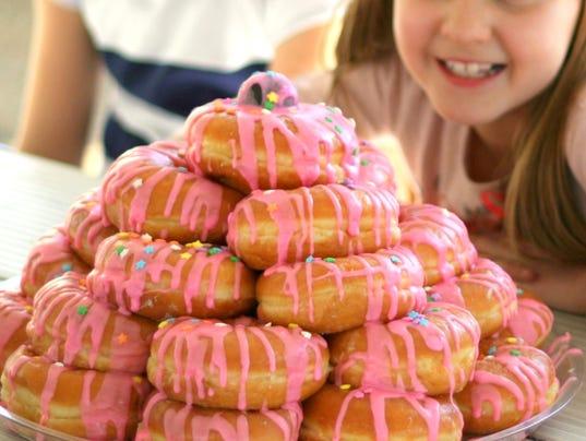 636075730592105062-fresh04-doughnuts.jpg
